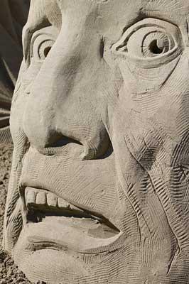 Disperazione e Karma - una statua disperata.