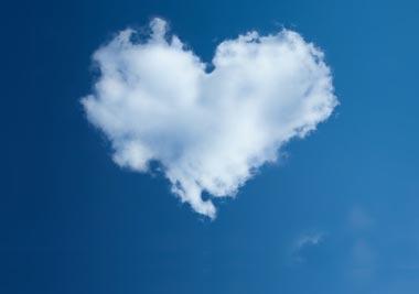 Nuvola a forma di cuore.