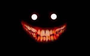 Una figura horror nel buio.